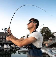 a spinning vs baitcasting rod