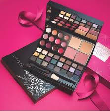 beautiful color makeup set just in time for the holidays from avon only 24 99 great gift or addition to your own collection youravon lcohen