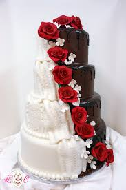9 Red And White Wedding With Roses For Cakes And Half Man Photo