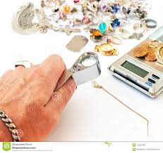 broker checking the diamond