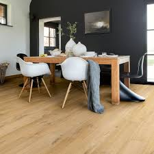 quick step impressive ultra waterproof laminate floor soft oak natural imu1855 the soft natural tones of this oak design are the perfect complement to