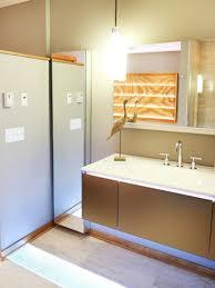 Restroom Remodeling bathroom alluring design of hgtv bathrooms for fascinating 2162 by uwakikaiketsu.us