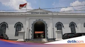 Menggali informasi penting dari teks narasi sejarah, kelas. Hari Kebangkitan Nasional Dan Simbol Persatuan Indonesia