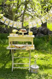 garden party decoration ideas. your family and friends are guaranteed to enjoy these fun entertaining ideas for easter. garden party decoration