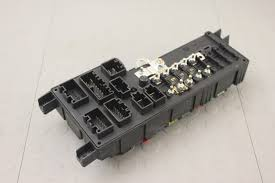 05 volvo s60 s80 v70 xc70 xc90 engine bay fuse box relay power block 30728008 05 volvo s60 s80 v70 xc70 xc90 engine bay fuse box relay power block 30728008 05 volvo s60 s80 v70 xc70 xc90 engine bay fuse box relay