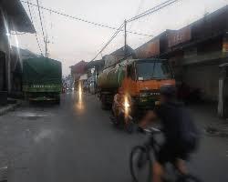 Cari loker terbaru di lowongankerja15.net.! Bongkar Muat Dijalan Gotong Royong Babat Lamongan Menimbulkan Kemacetan Parah Sinar Alam Pos