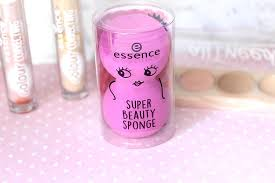 once again essence have done a fantastic job with their packaging i mean how cute is the little that this sponge es in