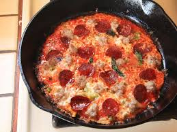 How To Cook A Pizza Use Your Cast Iron Pan And A Tortilla For Extra Crispy Pizza In