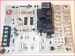 lennox furnace control board. furnace control circuit board. (6 pin molex plug) (armstrong, honeywell, lennox) lennox board o