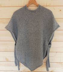 Free Knitted Poncho Patterns Best Top Down Poncho Free Pattern Needlecrafts Pinterest Ponchos