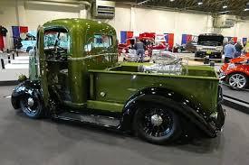 Cool Pick up trucks to big old trucks too - patineto