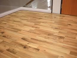 vinyl tile that looks like wood plank floor