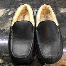 uggs men s ascot leather slippers m 5acfad3ba6e3ea4807c09e52