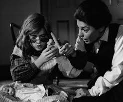 best movie the miracle worker pictures clips  anne bancroft and patty duke in the miracle worker anne bancroft best actress oscar 1962