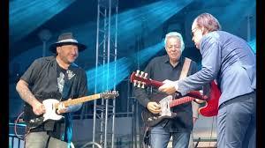 Surprising guitar duel!!~<b>Joe Bonamassa</b>, Tommy Emmanuel & Josh ...