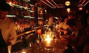 people drinking in bar ile ilgili görsel sonucu