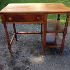 Willett Furniture maple Lancaster County table from Detroit