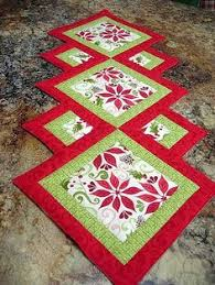 Christmas Table Runner Patterns Simple Christmas Poinsettia Table Runner Quilted Christmas Table Quilts