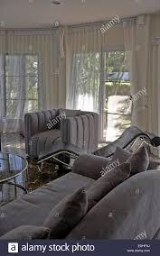 Moderne Wohnlandschaft Mit Weichen Möbeln Und Boden Bis Zur