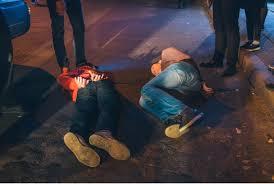 Двоє п'яних прикарпатців побили власника кафе і облили його пивом