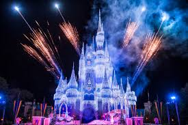 Frozen Holiday Wish Castle Lighting Show A Frozen Holiday Wish Begins At Magic Kingdom Park Tonight