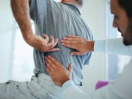 The left lumbar region is one of nine regions of the abdominal cavity, and it contains organs from both the digestive and excretory systems. Pain Under Left Rib Symptoms Causes Treatment And More