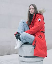 Face winter in the city with the Canada Goose Kensington Parka   AskAnyoneWhoKnows  Streetstyle ShopSportton LayerShop CanadaGoose