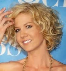 diffe hairstyles for short curly hair all the various types of applied cutting techniques each method