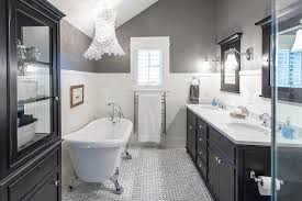 traditional bathroom lighting ideas white free standin. View In Gallery Pendant Lamp Steals The Show Here! Traditional Bathroom Lighting Ideas White Free Standin