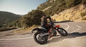 2018 ktm 690 enduro r. perfect 2018 20182019 ktm 690 enduro r u2013 true king of offroad specially designed for  use on rough terrain this vseprohodnoy is striking not only its  in 2018 ktm enduro r