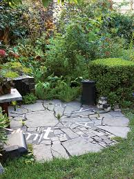 round patio. Recycled Materials Round Patio :