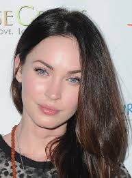 megan fox paired her shimmery pink eyeshadow with a sheer pearlescent finish lipgloss at the
