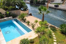 splendide maison avec 5 chambres hamam piscine panneaux solaires et amarrage privé à