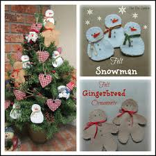 Bake Craft Sew Decorate DIY Felt Christmas Trees  Classy ClutterFelt Christmas Crafts