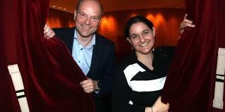 vorhang auf für neue spielzeit intendant axel schneider und seine stellvertreterin nuca selbuz im harburger theater foto bittcher