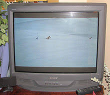 sony tv old models. sony kv-32s42, a typical late-model trinitron television, manufactured in 2001. tv old models