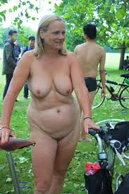 Uk mature nudist pics
