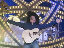 tickets sold out for garth brooks
