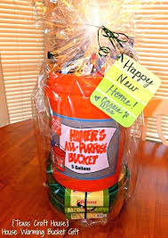 housewarming gift etiquette gifts for house warming ideas couple inside