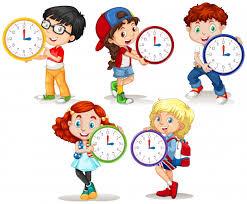 Enfants Tenant Une Horloge Sur Fond Blanc | Vecteur Gratuite