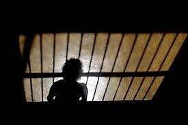 Cinco claves para revertir crisis penitenciaria (sin abrir más cárceles),  según expertos internacionales