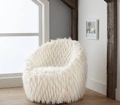 faux fur lounge chair