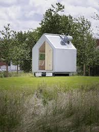Diogene Cabin: a tiny minimalist cabin