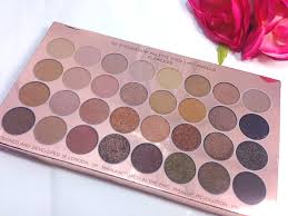 the first i tried was the ultra 32 shade eyeshadow palette in flawless i hadn t even noticed this palette in the when i looked so was