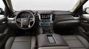 2018 chevrolet suburban in cocoa leather interior with dune accents h0k