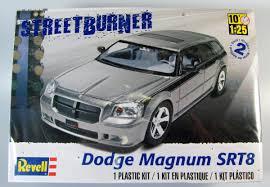Dodge Magnum SRT8 - Revell   Car-model-kit.com