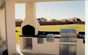 outdoor kitchen fireplace pizza oven