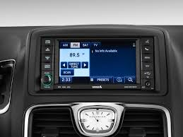 reading gm wiring diagrams images image 2012 chrysler town country 4 door wagon limited audio system