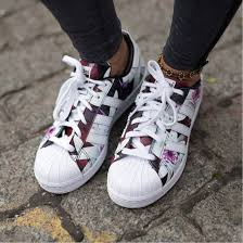 adidas shoes for girls superstar pink. shoes: girl, girly, adidas, girly wishlist, adidas shoes, superstars shoes for girls superstar pink
