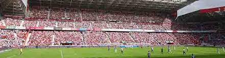El Capellán Del Real Sporting De Gijón Fernando Cuello Oficia En Estadio El Molinon Gijon